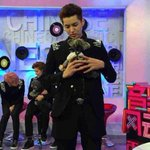 RT @EXO_FANBASE: 140420 Kris with a puppy @ CCTV Global Chinese Music {cr. anita刘萌702} http://t.co/3LIv2DKnLD