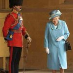RT @chiefbrody1984: Happy Birthday to Queen Elizabeth II who is definitely on twitter and will value this message. My fav pic of her... http://t.co/07UzZq4IIv
