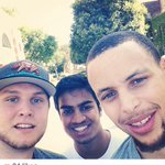 RT @warriorsworld: UCLA students take a selfie with @StephenCurry30 http://t.co/321zwDTcDp