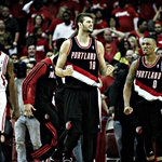 RT @trailblazers: PHOTOS || http://t.co/f5c37fH7iQ Blazers Never Say Die! #RipCity http://t.co/DjocIy2b0K