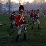 RT @jsboehm: The British regroup after wiping out the Lexington Minutemen on the battle green #PatriotsDay http://t.co/JDQhOG64ew