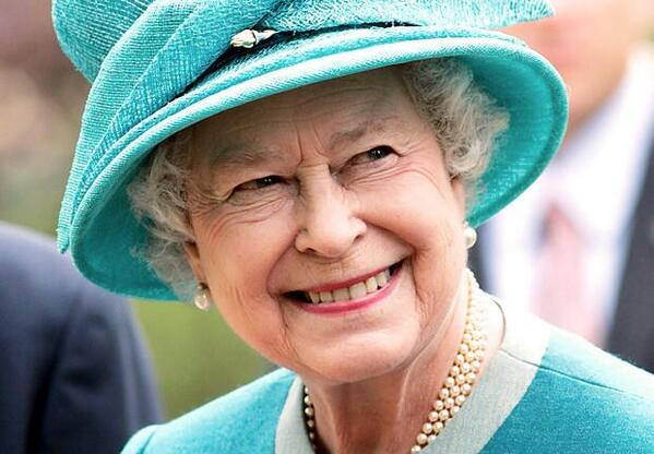 #HappyBirthday to Her Majesty Queen #ElizabethII ! ❤️ http://t.co/y7PgceRv6c