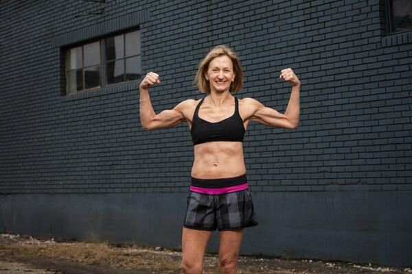 Karen lost 15 lbs, 8 inches, 5% body fat and went down 3 dress sizes.  Karen's Story: http://t.co/kdrmmhr6iO http://t.co/SM4TmhBvnE