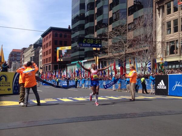 Men wins! #wbz #bostonmarathon http://t.co/u7974SBL7B