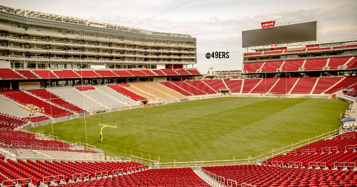 FIRST LOOK: San Francisco's new home in 2014, #LevisStadium with a completed field. http://t.co/vfGdm1kM7e  (via @49ers)