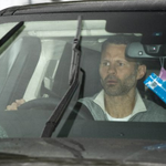 [Picture] New Man United manager, until the end of the season, Ryan Giggs arriving into Carrington this morning #MUFC http://t.co/aH4Gyvfxif