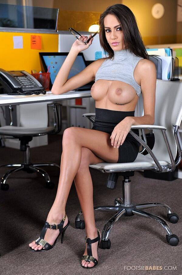 Голая Секретарша Онлайн
