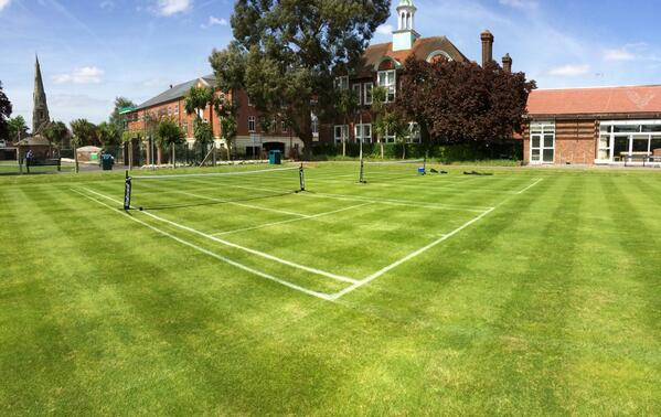So beautiful. 8 touchtennis courts on a disused bowls green. Make Open Spaces into Places to PLAY! Thx @ElmbridgeBC http://t.co/hAjffN2xsV