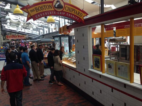 """Leaving Boston after a quick visit that included a stop by to the cookie business that begat """"Bluth's Frozen Bananas"""" http://t.co/9gLc1t6IxR"""