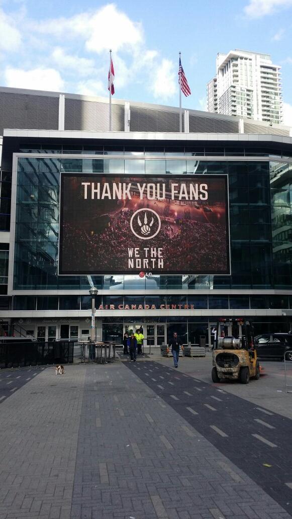 Best fans are in Toronto! #rtz #WeTheNorth http://t.co/Vh1zcSFsc8