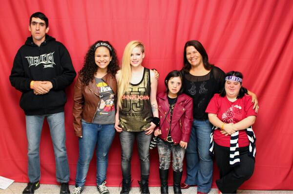 Avril lavigne posted some less awkward photos of her brazil meet and the avril foundationavrilfoundationfollow m4hsunfo