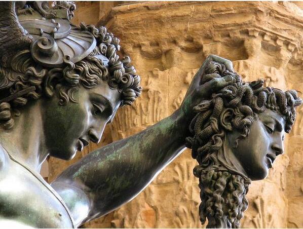 •#Perseo con la testa di #Medusa, Benvenuto #Cellini, 1545-1554, #Firenze • @Asamsakti @Biagio960 @storiedellarte http://t.co/vYZcuCxGcd