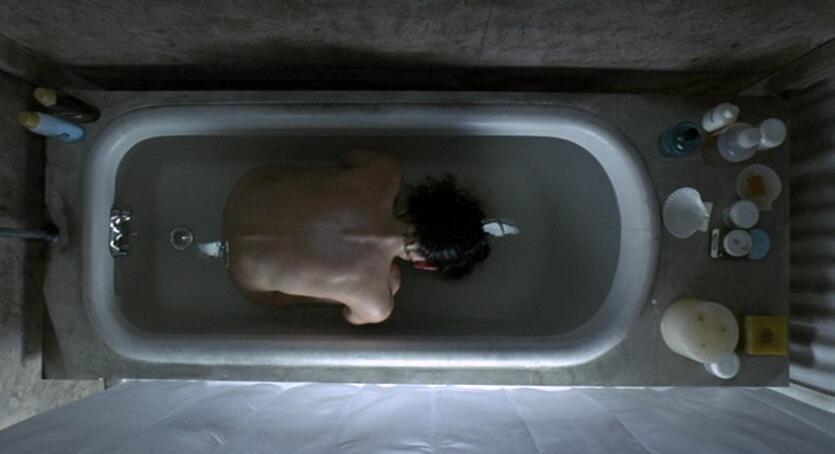 Perfect shot from REQUIEM FOR A DREAM (2000) DoP: @MattyLibatique   Dir: @DarrenAronofsky http://t.co/U6B2cmQ8Pw