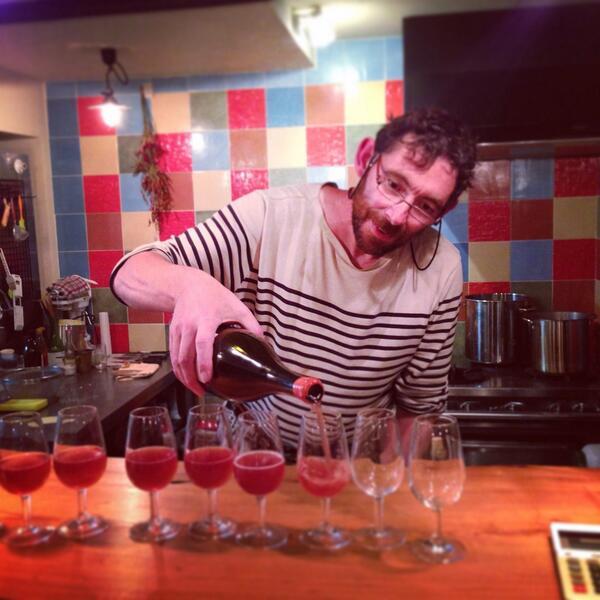 佐渡ヶ島にある la barque de dionysos 。(ラ・バーク・ド・ディオニシス) 佐渡に移住してワインを作り始めたフランス人天才醸造家ジャン・マルク・ブリニョが営むワインバー。 http://t.co/rVFi4cRlZB