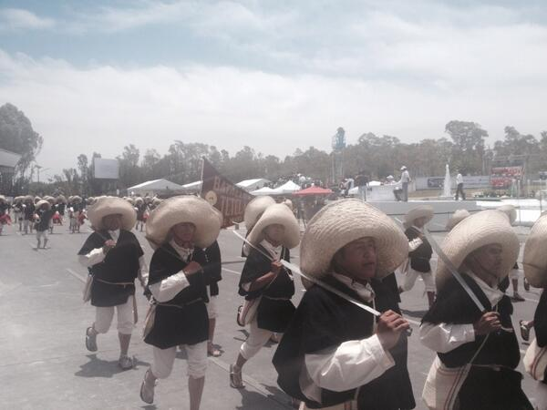 Patricia Gutiérrez (@Paty_GutierrezR): Inicia desfile conmemorativo al CLII aniversario de la Batalla de Puebla @Vertice102 http://t.co/F3Ihzo3drV