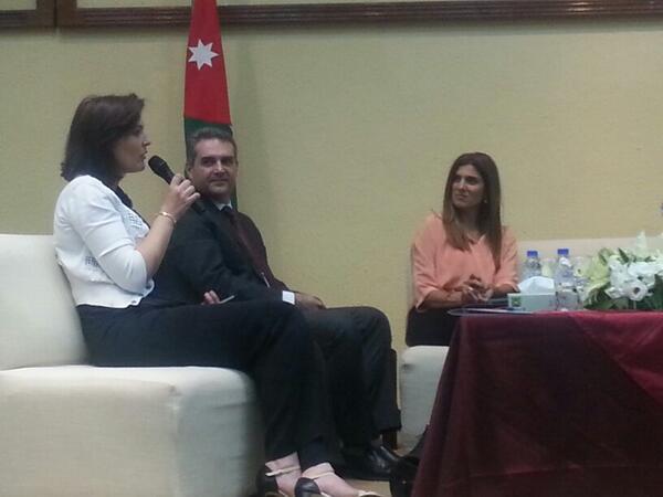 دكتورة لاريسا الور من @SmokeFreeJo   تتحدث عن أهمية تطبيق قانون الصحة العامة و محاربة شركات الدخان  #jo #smokefreejo http://t.co/IGrI2NdOQw