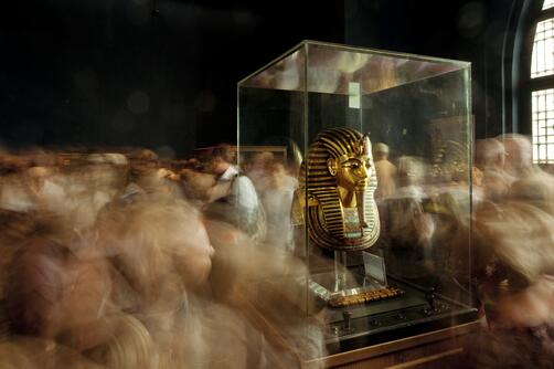 Museum experience. This amazing photo of King Tut's funerary mask is by Kenneth Garrett. http://t.co/VJokgsFkMw