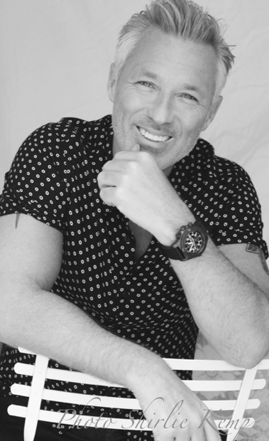 My New headshot of @realmartinkemp  for @fmmodelagency #martinkemp Photo By Shirlie @Shirliekemp http://t.co/vDPAAbwNvt
