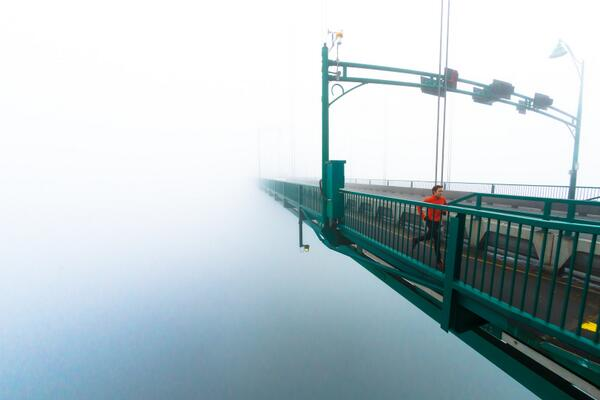 Arc'athlete @campbelladam79 from out of the abyss on Vancouver's Lions Gate bridge. Photo: Brian Goldstone http://t.co/yGEFyuTLfA