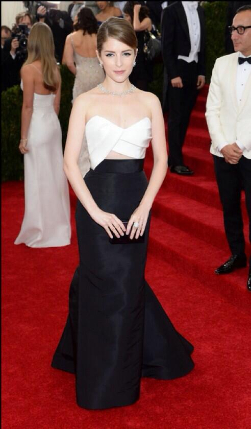 Anna Kendrick played it safe and I love it.  #MetGala http://t.co/HaUepuraBq