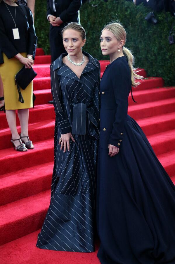 The Olsen Twins: Making ugly clothes fabulous since the 90s. Seriously. These two can do no wrong in my book. http://t.co/WhRp6Z0Bg6