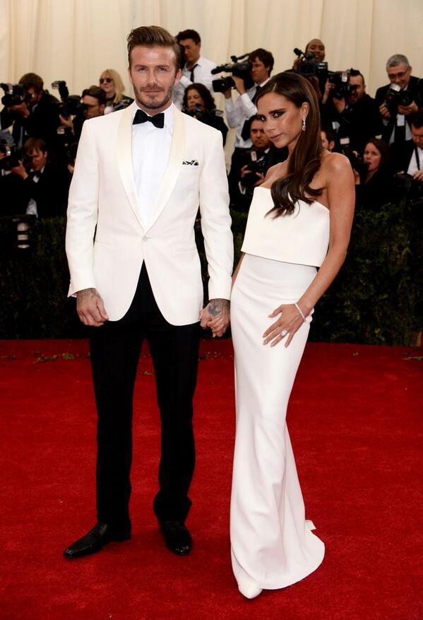 The Beckhams in white @RalphLauren. Pure perfection!! #MetGala #Metball2014 http://t.co/DnUpmXR1JM