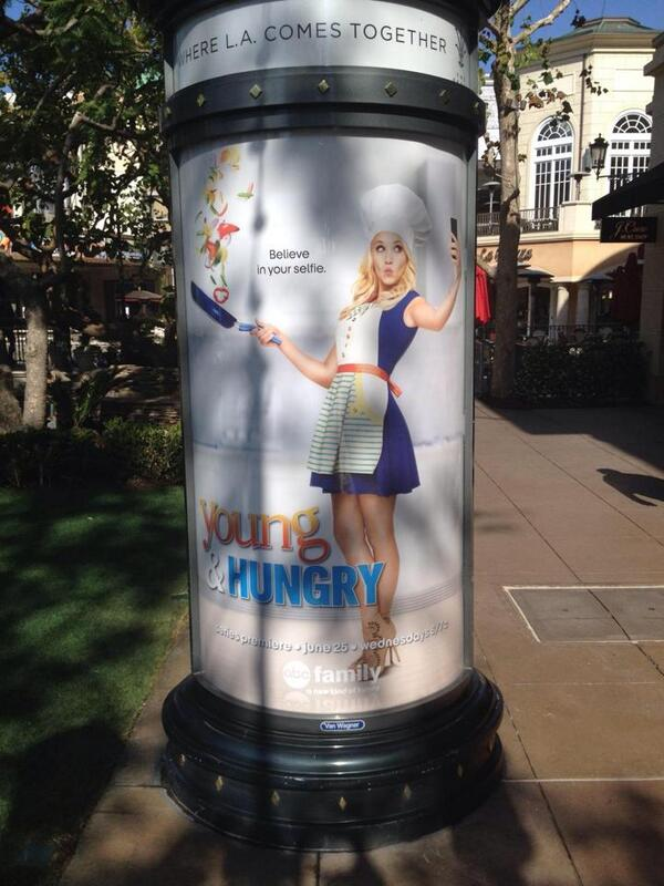 @EmilyOsment Look! It's you just doing a little cooking in the middle of The Grove!! #youngandhungry http://t.co/rQ51MGfI5c