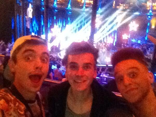 Back to work infront of the camera with @Joe_Sugg at our favourite place @gottodancesky1 GOOD TIMES!!! http://t.co/e0u27x1Jh7