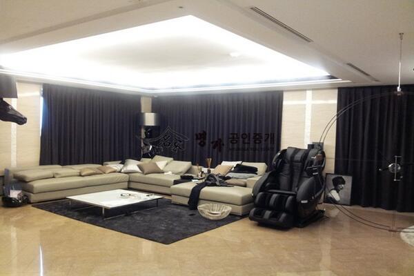 ห้องดูรกนะ ! http://t.co/ArBiij5INO