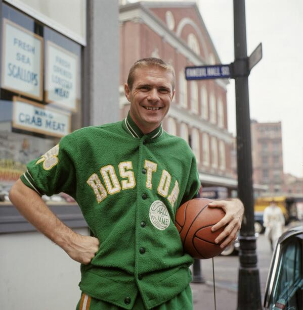 What I'd do for one of these fleece warmup jackets Tommy Heinsohn is sporting here in 1964: http://t.co/7CUjMXVofS