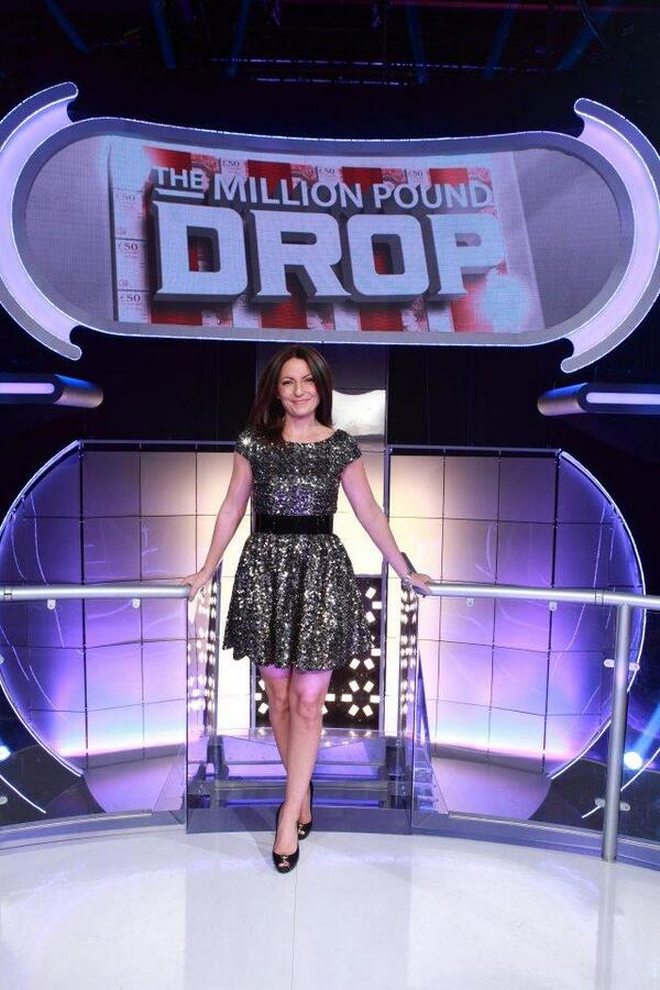 *VERY EXCITING NEWS KLAXON* #MillionPoundDrop is BACK! RT If you're excited (@ThisisDavina) http://t.co/L5scaYmcyK http://t.co/yUE2rMHhD0