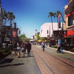 RT @TheGroveLA: A #beautiful day in #LA! #sunny #warm http://t.co/qSb9f6e1Fw