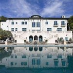 RT @SFGate: Actor Robin Williams lavish Napa estate returns to market for a mere $30 million. http://t.co/gpHIF0Jfrh http://t.co/NAe502SnOu