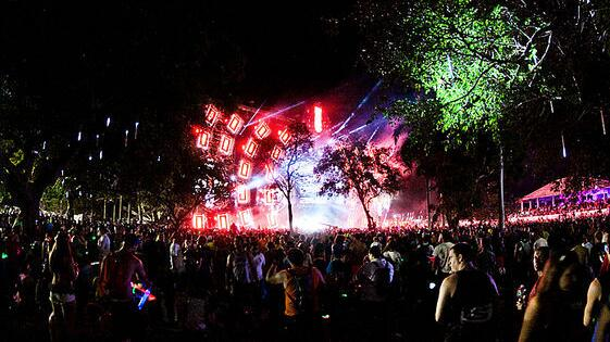 City commission has voted to keep @Ultra in downtown Miami. http://t.co/bGCJhn6ad5 #SaveUltra http://t.co/UaO3y0U9tS