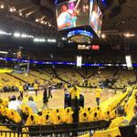 Warriors vs. Clippers, Game 3 with @ericlcampbell. Lets go Warriors! http://t.co/0irE3HBJTb