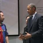 RT @barcastuff: Picture: US president Barack Obama in Tokyo with a Japanese robot engineer who wears Barça shirt http://t.co/v0r7LOxoMm [via @chorizen14]