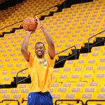 RT @warriors: .@hbarnes all smiles as he warms up amid a sea of gold. http://t.co/FU22h3ISmg