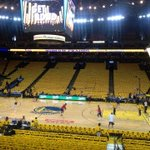 RT @Ohmeomy: Oracle Arena dressed in Gold for gm 3 Clippers v Warriors. Switch over to Prime Ticket from TNT after OKC-Memphis gm http://t.co/BT8txwGXov