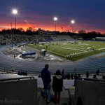 The sun sets on the #DrakeRelays. See all the photos from Thursday: http://t.co/cpF3X0hdcr (Photo/Bill Neibergall) http://t.co/0XKjsJwYY3