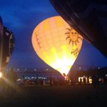 RT @WDRBNews: SLIDESHOW: Hot air balloon pilots impress crowds at KDF Great Balloon Glimmer http://t.co/PEMm8Uif8x http://t.co/GmgpUSTmE1