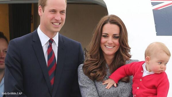 William, Kate and George bid farewell to Australia: http://t.co/SHLKHf8kqM http://t.co/mDIUip1SPx