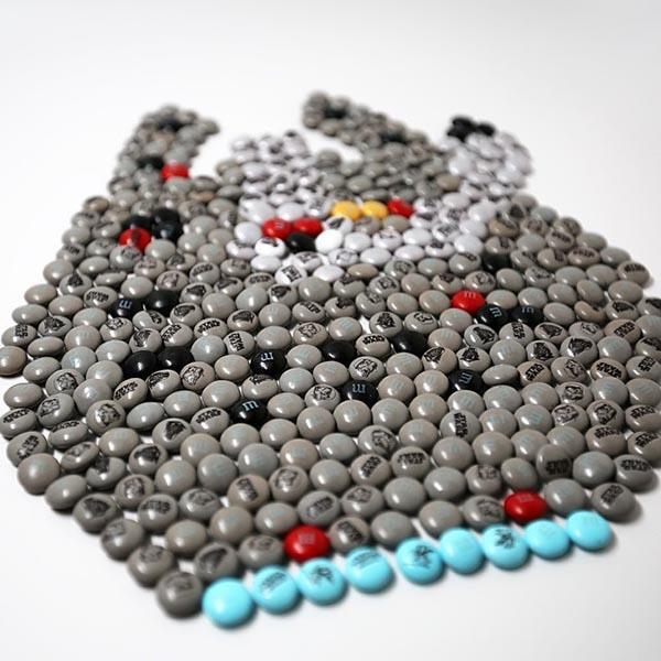 #StarWars M&Ms Make The Millennium Falcon A Tasty Hunk Of Junk http://t.co/V1hAw10qcD http://t.co/aU8Fjx0tio