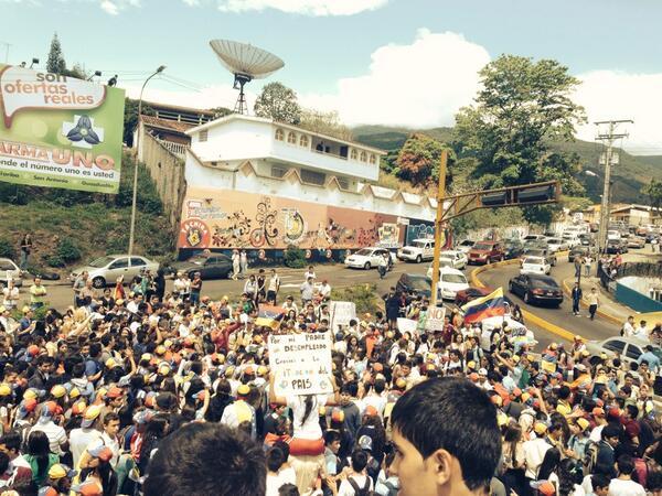 Traffic TACHIRA (@trafficTACHIRA): via @jesusguerrero98: S.C 25A nosotros los d bachillerato salimos a la calle, xq no queremos el decreto 058 y... http://t.co/LvTarhgUfV