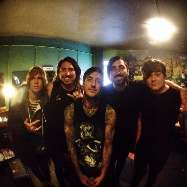 @OMandM ready to hit the stage in Amsterdam. Sold out show. Horns up! #Tillys #OMandM http://t.co/CM65xYPjKQ