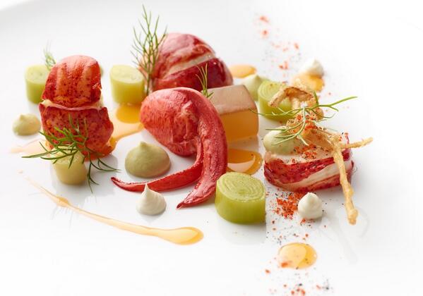 Nova Scotia Goodness... Leeks, purée, poached, tempura, ash... http://t.co/KL5Ro80RdR