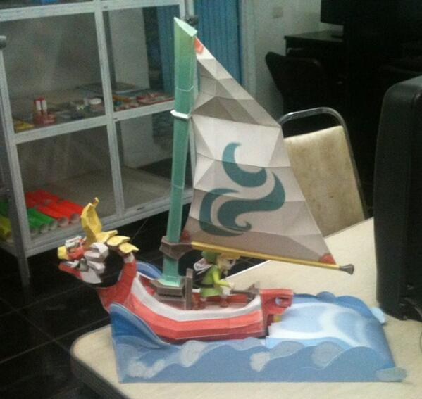 Here's the King of Red Lions made out of paper, sent in to us on Facebook by Ricardo. #ZeldaCraft http://t.co/VnXDdyUAKK