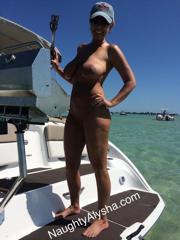 models plus size naked