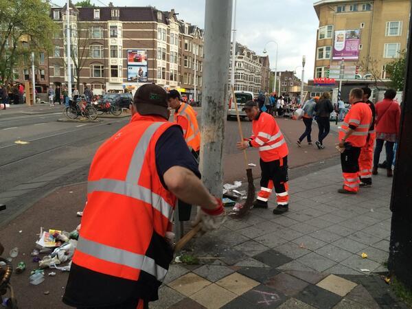 Hulde aan de mannen die alles razendsnel weer schoon krijgen! #020 http://t.co/UdGiderCG4