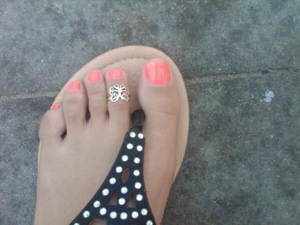 I love my toe ring