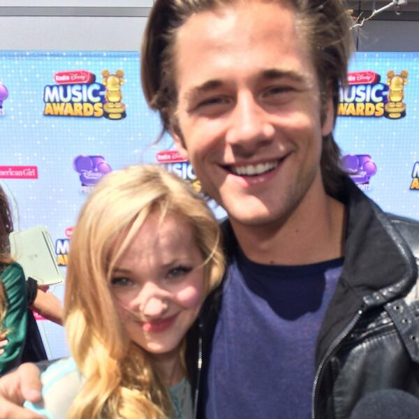 "Dove Cameron (@DoveCameron): ""@BOPandTigerBeat: We are on #Cloud9 with how adorable @DoveCameron & @lukebenward were. #BFFs #RDMAs http://t.co/8ppQzguuU5"" Big Brudder"